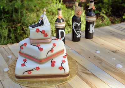 gallery image preferred vendors can include bakeries for your special wedding cake